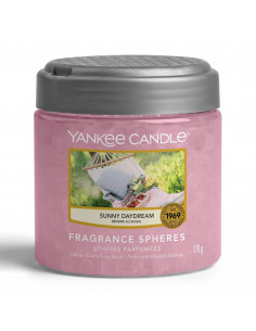 yankee candle black cherry - charming scents kit geometric